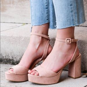 BNIB Chinese laundry Theresa platform heels
